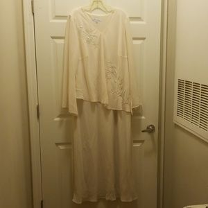 I am selling formal dresses and Sunday dresses